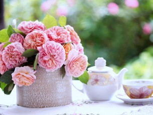 11664_Good-morning-spring-season-flowers-and-tea